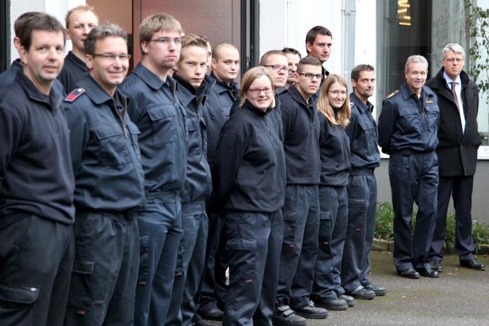 """FW-E: Halbzeit bei der """"Feuerwehr-Tour"""", Essens Feuerwehr-Dezernent besucht alle Freiwilligen Feuerwehren"""