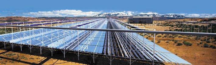 Solarmundo stellt ein innovatives mit Sonnenenergie betriebenes Thermalkraftwerk vor, das sensationell niedrige Stromerzeugungskosten aufweist.