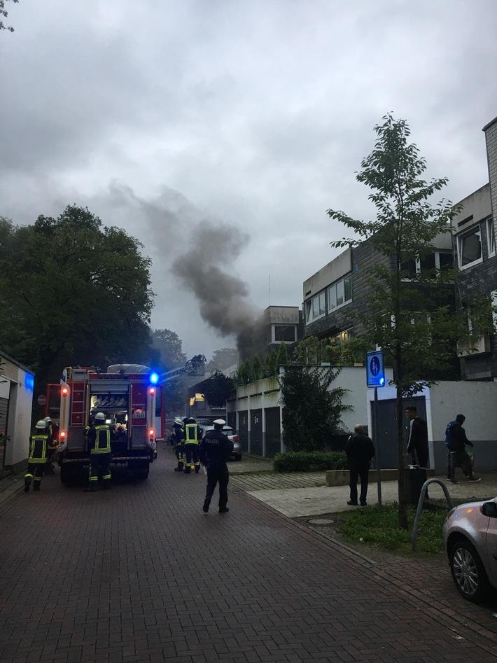 FW-Erkrath: Küchenbrand in einem Mehrfamilienhaus
