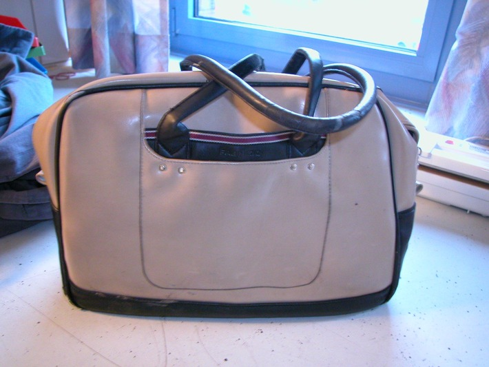 POL-SE: Bad Segeberg - Polizei nimmt Handtaschenräuber fest