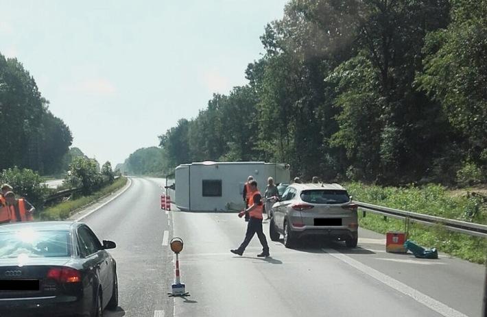 FW Dinslaken: Verkehrsunfall BAB 3