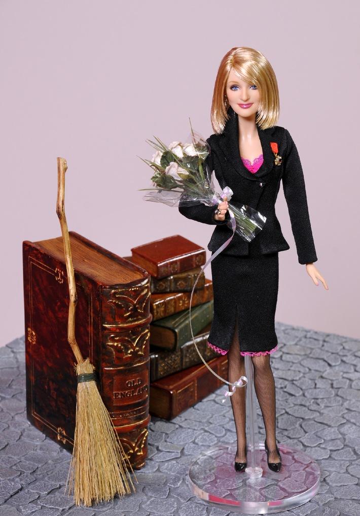 Internationale Prominenz auf der weltweit größten Spielwarenmesse (mit Bild) / Barbie ehrt mit Unikaten Kronprinzessin Victoria von Schweden, Kim Clijsters und J.K. Rowling