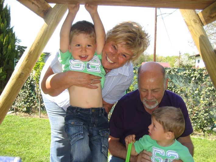 Oma-Opa-Enkel Urlaube bei 50plus Hotels! - BILD