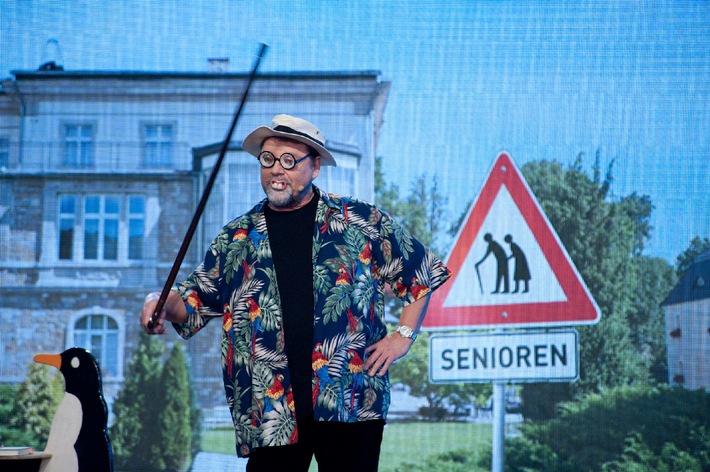 So geht's: Comedy Crashkurs mit Jürgen von der Lippe -   das Live-Programm zum Jahresanfang in SAT.1