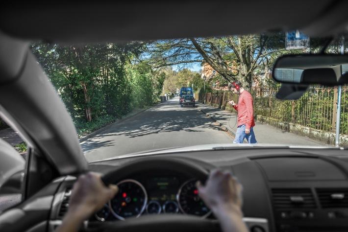 Be smart, don't phone: Die Risiken von Handys im Straßenverkehr