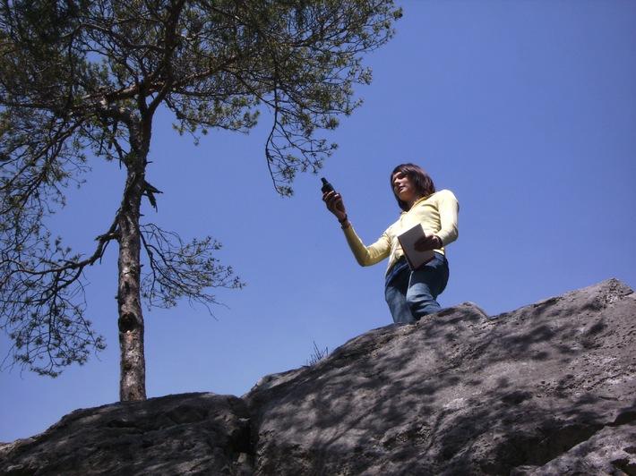 Geocaching: Digitale Schnitzeljagd auf den Spuren des Bergdoktors am Mieminger Plateau - BILD