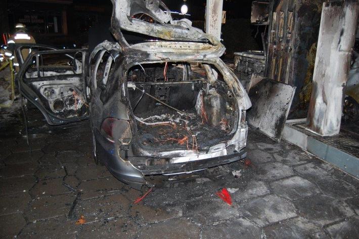 POL-PPWP: Fahrzeugbrand an einer Tankstelle