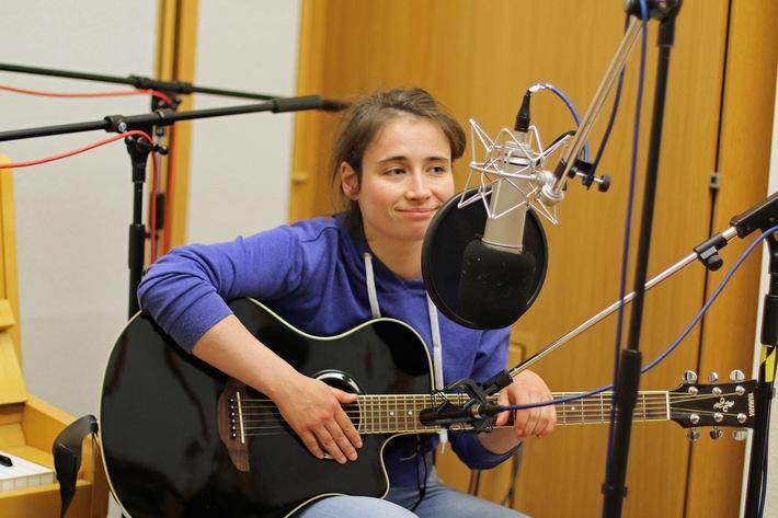 MDR KULTUR bekommt für Produktion mit Schauspielerin Marina Frenk den Hörspielpreis der Kriegsblinden 2016