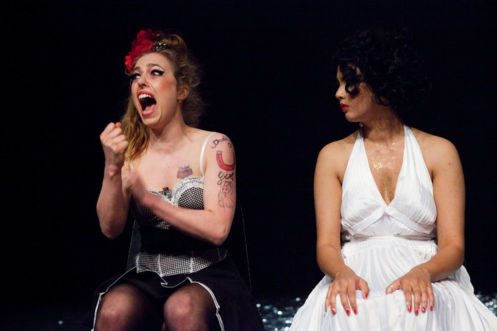 PREMIO 2014: Schweizer Nachwuchspreis für Theater und Tanz / Marilyn und Amy - ungehemmt und provokativ zum Sieg