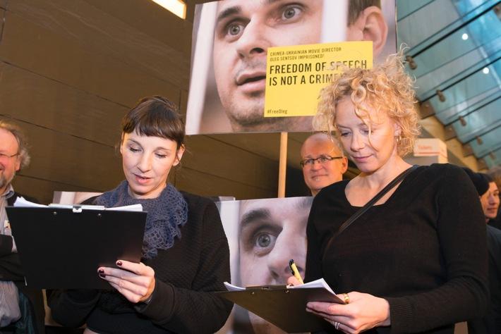 Freiheit für Oleg Sentsov! - Meret Becker und Katja Riemann setzen sich gemeinsam mit Amnesty und der European Film Academy sowie der Deutschen Filmakademie für den inhaftierten Filmregisseur ein