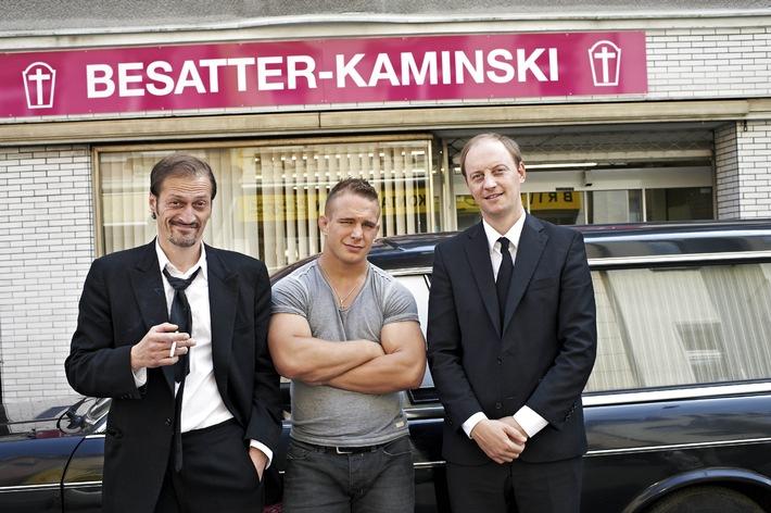 """""""Diese Kaminskis - Wir legen Sie tiefer!"""" / ZDFneo zeigt Doku-Sitcom mit tiefschwarzem Humor"""
