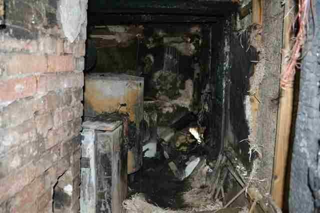 POL-HOL: Stadtoldendorf - Baustraße: Hoher Sachschaden nach Brandausbruch in Einfamilienhaus - Feuerwehr mit starken Kräften im Einsatz / ca. 80.000,-- EUR Schaden