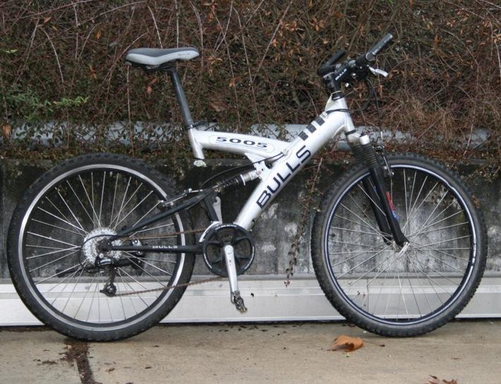 POL-DA: Kelsterbach: Polizei bittet nach versuchtem Wohnungseinbruch um Hinweise zu aufgefundenen Fahrrädern