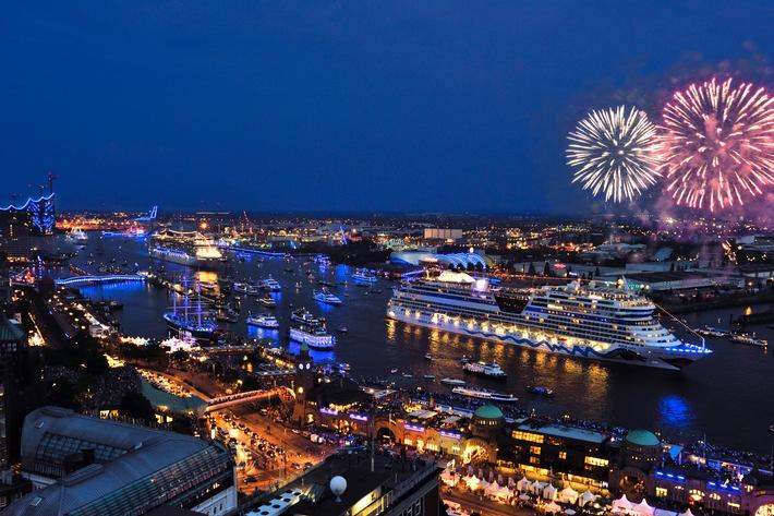 Zweiter Tag der Hamburg Cruise Days 2014: Sonnenschein, Begeisterung, Besucherrekord