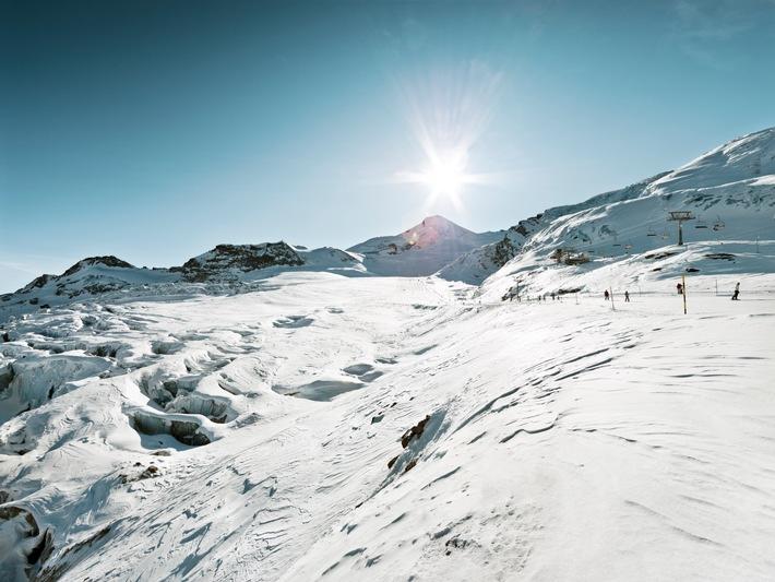 Efficacité énergétique et sports de neige: Saastal Bergbahnen AG et BKW s'engagent en faveur de la durabilité