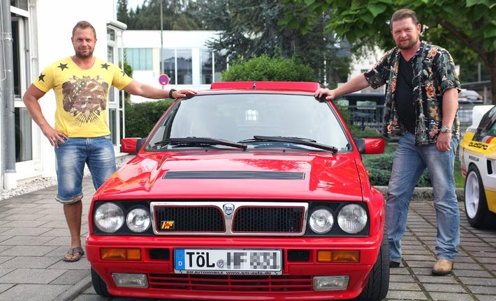 """""""GRIP - Das Motormagazin"""": Der BMW 2er Active Tourer und der VW Golf Sportsvan / Det sucht Youngtimer Rennsemmeln / Traktorrennen in Russland"""