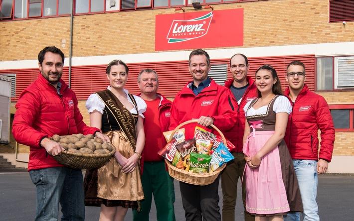 Königlicher Besuch im Kartoffelchips-Werk / Die Deutsche Kartoffelkönigin zu Gast im Lorenz Werk Neunburg vorm Wald