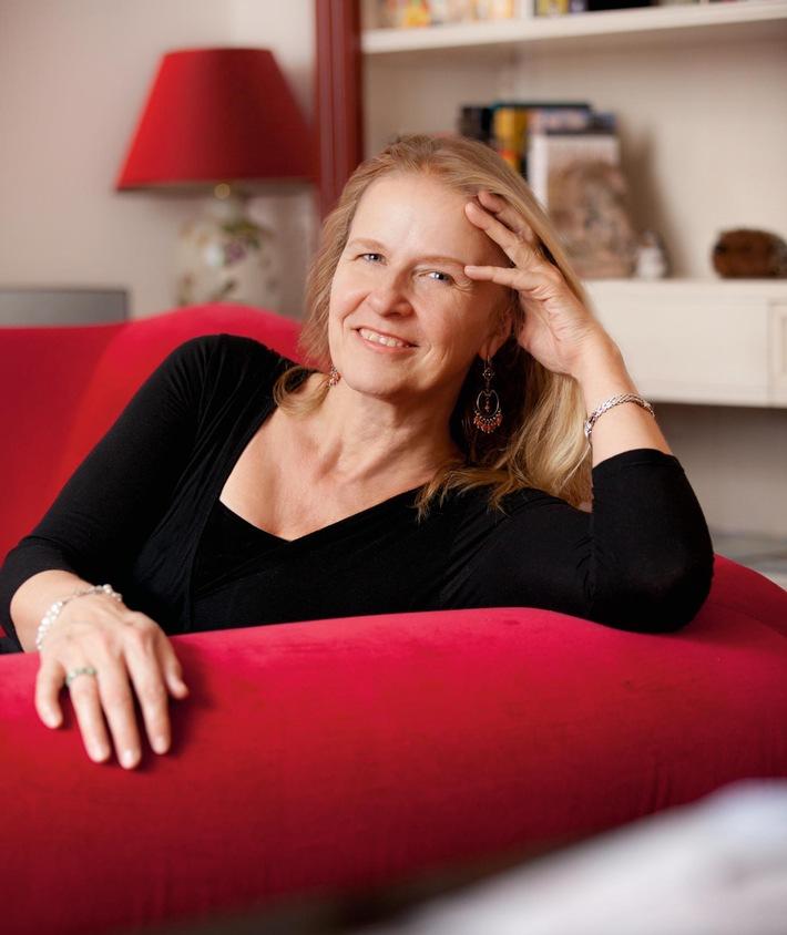 """Cornelia Funke veröffentlicht Fortsetzung von """"Drachenreiter"""" / """"Die Feder eines Greifs"""" erscheint am 26. September 2016 im Dressler Verlag"""