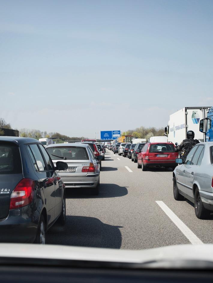 Staus, Sperren und Kontrollen rund um den G7-Gipfel / Autofahrer sollten Großraum Garmisch zwischen dem 6. und dem 8. Juni meiden / ADAC empfiehlt Urlaubern großräumige Umfahrung