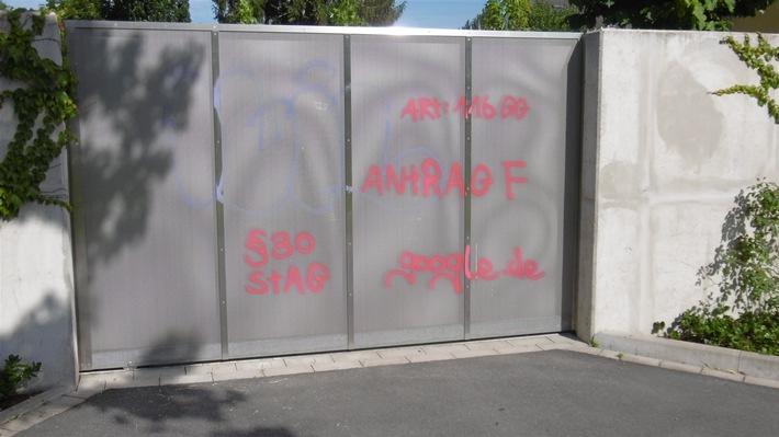 POL-SO: Lippstadt - Auch Hauswände, Zäune und Schilder mit Graffiti besprüht (Folgemeldung)