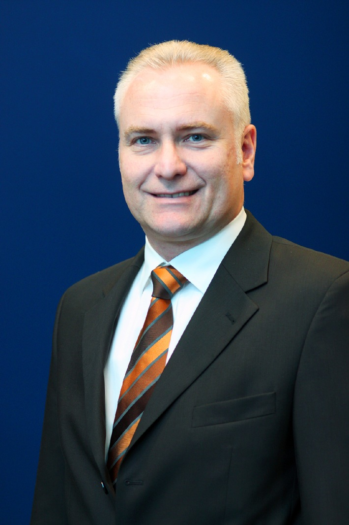 Dr. Clemens Doepgen in die Geschäftsführung der Ford-Werke GmbH berufen