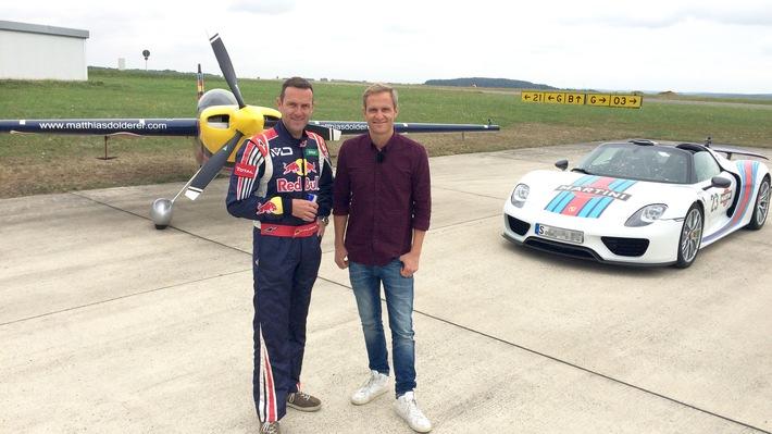 """GRIP - Das Motormagazin: """"Supersportwagen gegen Rennflugzeug"""""""