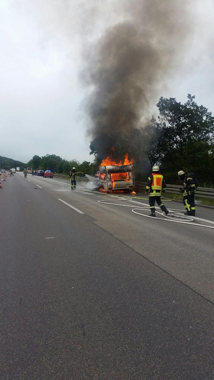 POL-FB: Nach Unfallflucht mit Hubschrauber gesucht ++ Drei Einbrüche in Ortenberg ++ Zeugen nach diversen Unfallfluchten gesucht ++ Beleidigt und geschlagen - Ermittlungen gegen Wöllstädter ++ u.a.