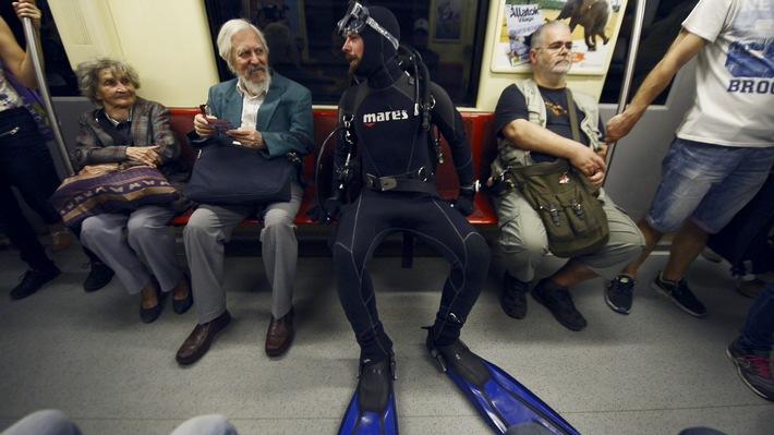 """Klaas taucht in Ungarn ab, Russland geht Joko unter die Haut: """"Joko gegen Klaas - Das Duell um die Welt"""" am Samstag, 20:15 Uhr"""