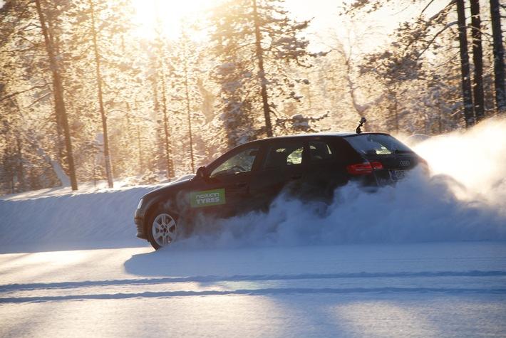 """Nokian-Winterreifen ist """"sehr empfehlenswert"""" im TCS Winterreifen-Test 2012 und """"gut"""" bei """"test Stiftung Warentest"""" / TCS: """"Stärken: Sehr ausgewogener Reifen, gut in allen sicherheitsrelevanten Disziplinen"""""""