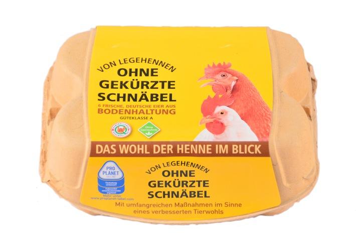 Frohe Ostern auch für Hühner: Eier von Hennen mit ungekürzten Schnäbeln bei PENNY / Erster Discounter mit bundesweitem Angebot an Eiern von unversehrten Legehennen