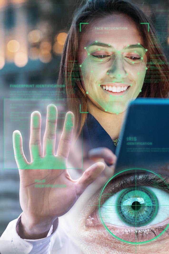 """Multibiometrie bietet ein Maximum an Sicherheit / CeBIT 2017 - Mit DERMALOG Lösungen """"Made in Germany"""" gegen Identitätsbetrug"""