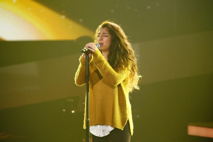 """Showbühne statt Schafwiese: """"The Voice Kids""""-Talent Renaz (13) will sich aus ihrem 1177-Seelen-Dorf nach New York singen"""