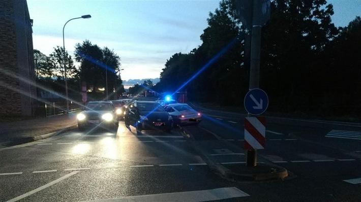 POL-PPMZ: Überhöhte Geschwindigkeit führte zu schwerem Unfall