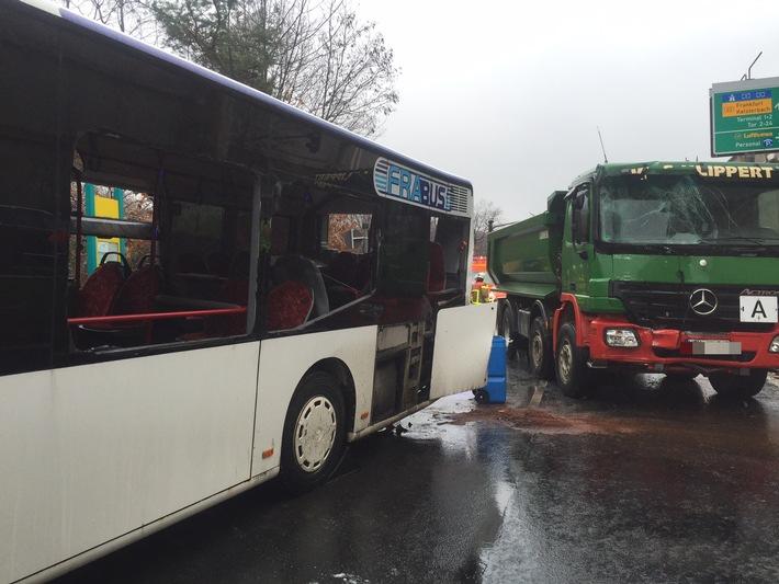 POL-F: 160302 - 184 Frankfurt-Flughafen: Schwerer Verkehrsunfall (FOTO)
