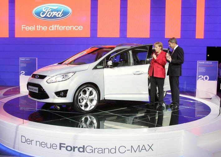 Bundeskanzlerin Merkel auf Ford IAA-Stand