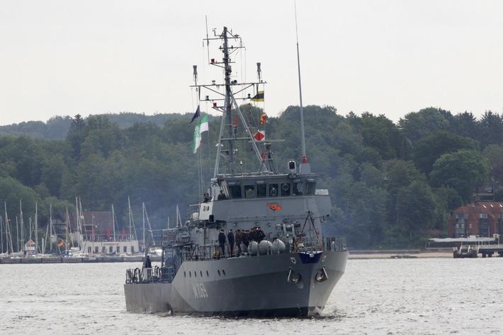 """Minenjagdboot """"Homburg"""" mit Kurs Mittelmeer"""