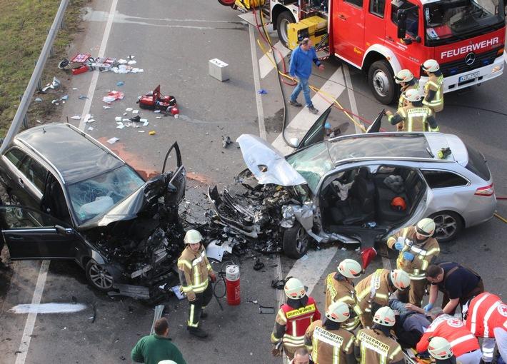 POL-PPWP: Tödlicher Verkehrsunfall,  zwei weitere Personen schwer verletzt