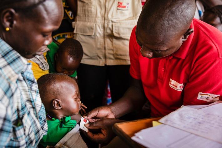 Südsudan: Johanniter versorgen Vertriebene in Wau / Rund 100.000 Menschen sind auf der Flucht
