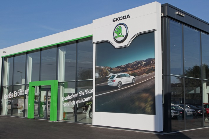 Umstellung der SKODA Händler auf neues Corporate Design bundesweit voll in Fahrt