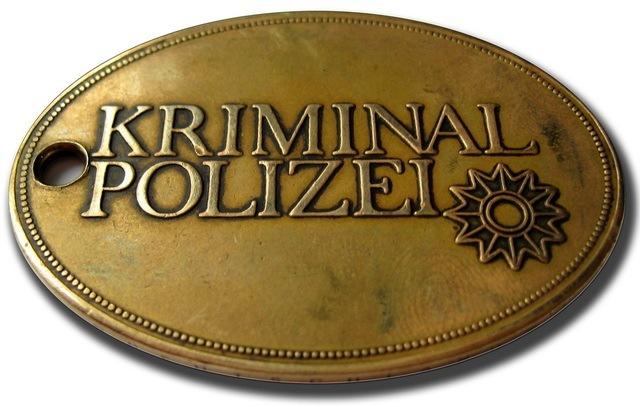 Einbrecher flüchtig