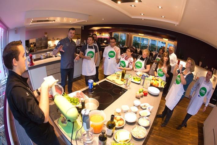 Lamm lässt viel Spielraum für kreative Küche / Das erfuhren Food-Journalisten und Blogger bei einem Kochevent in der Düsseldorfer Kochschule von Frank Petzchen