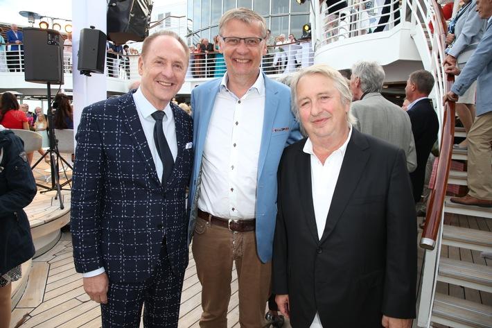 """MS EUROPA meets Sansibar 2017"": Ann-Kathrin Kramer und Stephan Grossmann sind Sieger des diesjährigen MS EUROPA Poetry Award"