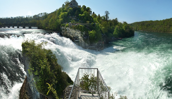 Traumhochzeit auf dem Rheinfallfelsen am 11.11.11 um 11.11 Uhr