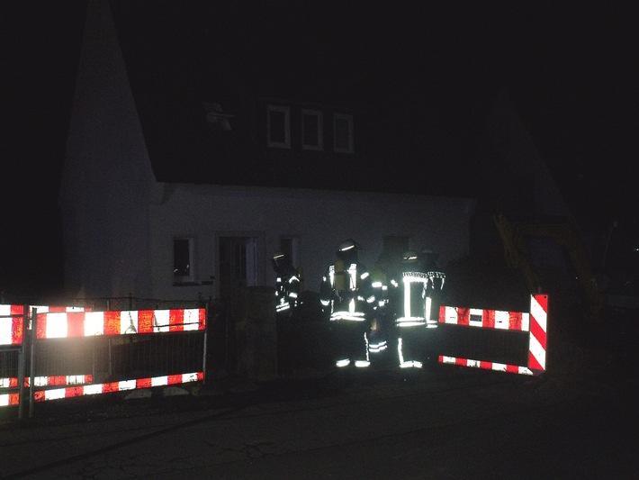 FW-AR: Gasgeruch in Arnsberger Wohnhaus - Personen evakuiert