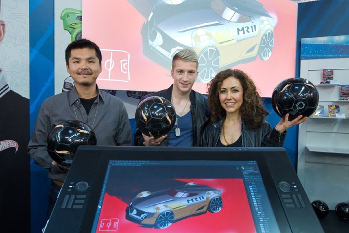 Marco Reus entwickelt live neues Hot Wheels Modell auf der Nürnberger Spielwarenmesse / Offiziell vorgestellt: Der neue MR11