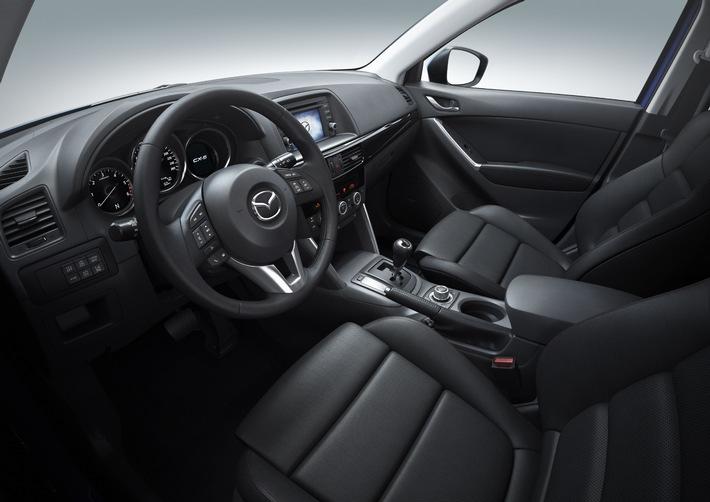 Première mondiale du Mazda CX-5 au salon de l'automobile de Francfort 2011: un tout nouveau SUV crossover compact, vitrine des technologies Mazda SKYACTIV