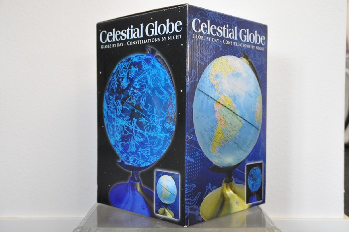 Manor rappelle le globe terrestre lumineux «Celestial» de la marque  «Fascinations» (Image)