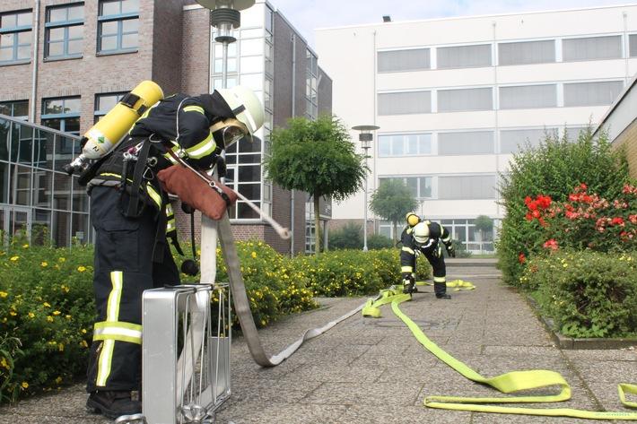 FW-WRN: Zugübung des Löschzug 1 Stadtmitte der Freiwilligen Feuerwehr Werne