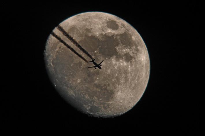 """Bei alltours verdienen Ägyptenurlauber mit dem """"Nachtflug-Tarif"""" Geld im Schlaf"""