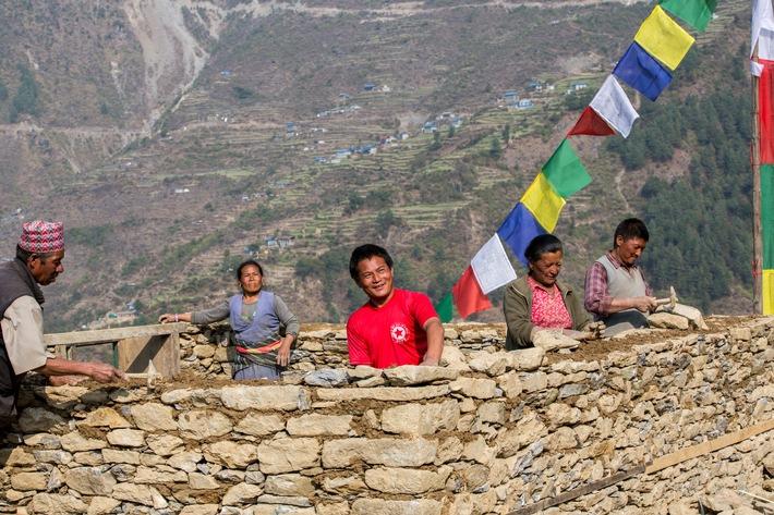 Ein Jahr nach dem Beben: Nepal erholt sich - auch dank der Zusammenarbeit mit Schweizer Hilfswerken